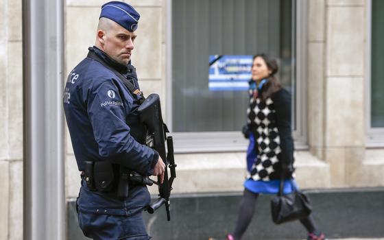 Qual o papel das pequenas cidades europeias no combate ao terrorismo