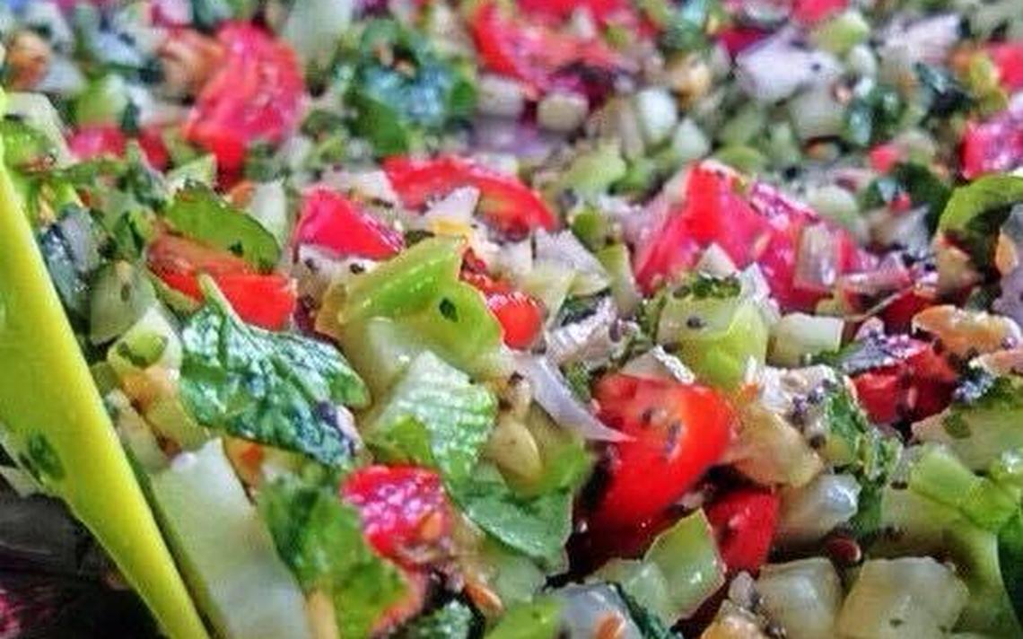 O Favela Orgânica ensina a cozinhar usando partes de alimentos que iriam para o lixo