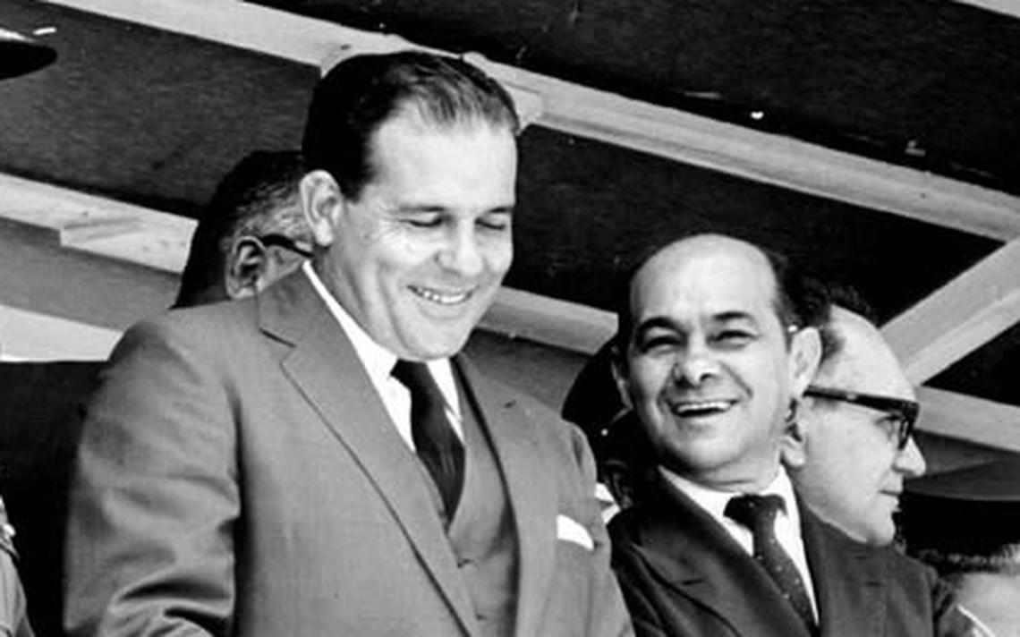 João Goulart, então presidente, e Tancredo Neves, primeiro-ministro, no início da década de 1960, quando o Brasil adotou o parlamentarismo