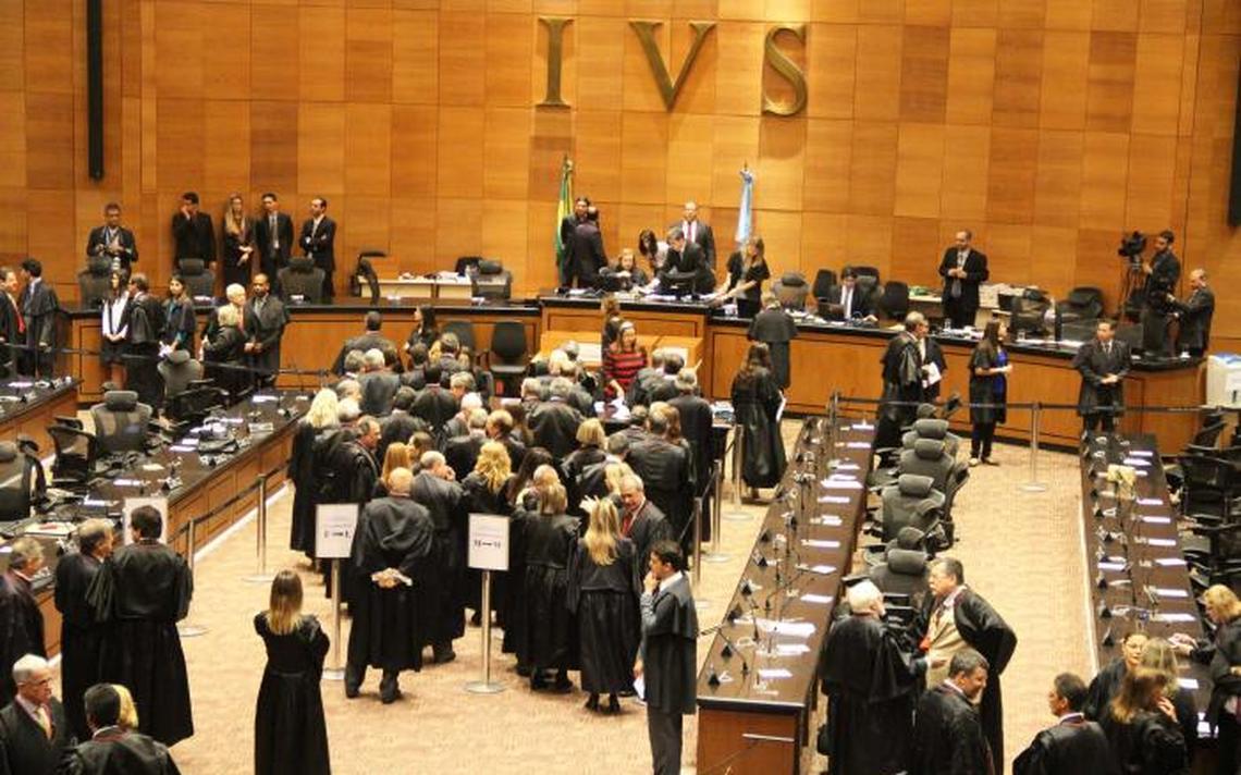 Magistrados estaduais do Rio no plenário do Tribunal de Justiça do Estado