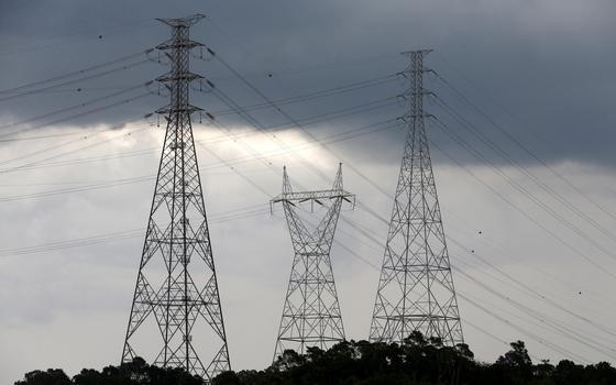 Risco de apagão leva governo a antecipar operação de usinas