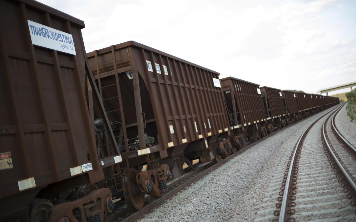 Trecho da ferrovia Transnordestina em Salgueiro, Pernambuco