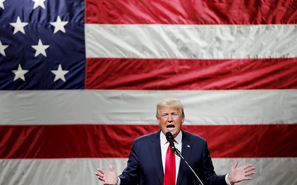 Trump discursa durante evento de campanha em Nova York