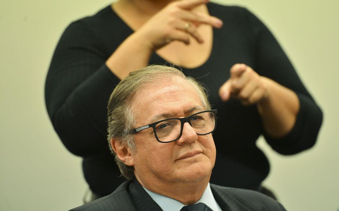 Ministro Ricardo Vélez participa de audiência na Comissão de Educação