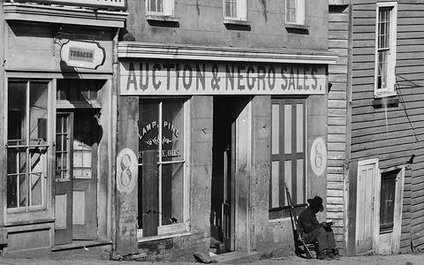 Como este projeto jornalístico relê o papel da escravidão na fundação dos EUA