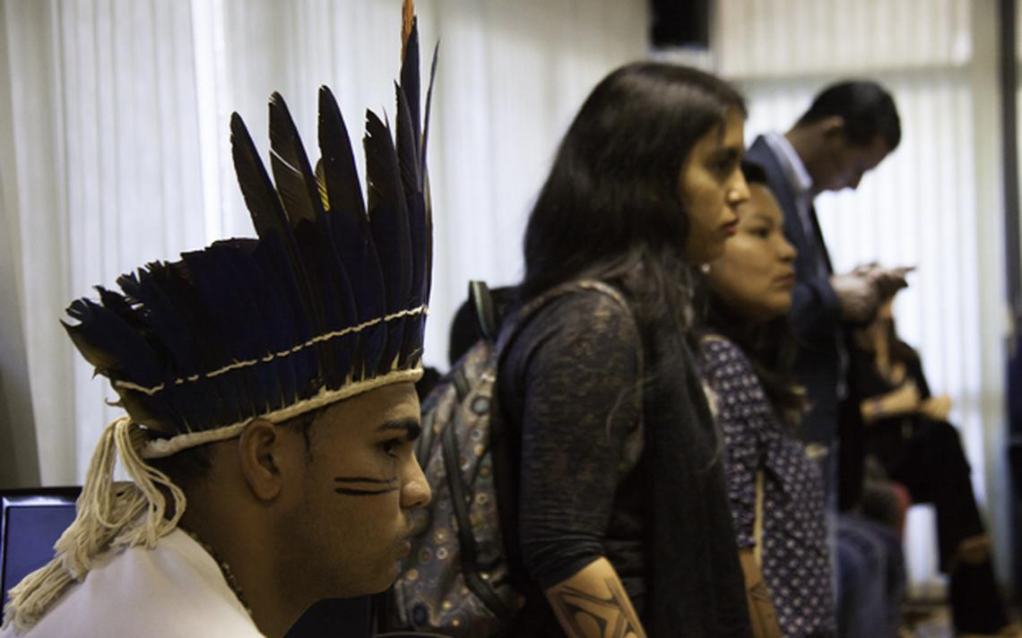 Estudantes comparecem à apresentação do edital que anunciou a criação de um vestibular indígena na Universidade de Brasília, em 2017