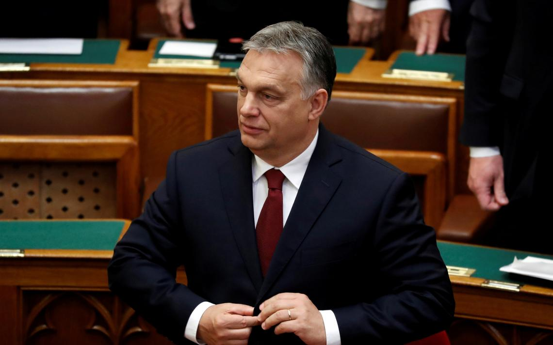 Viktor Orban, primeiro ministro da Hungria, prepara-se para discursar no parlamento em Budapeste