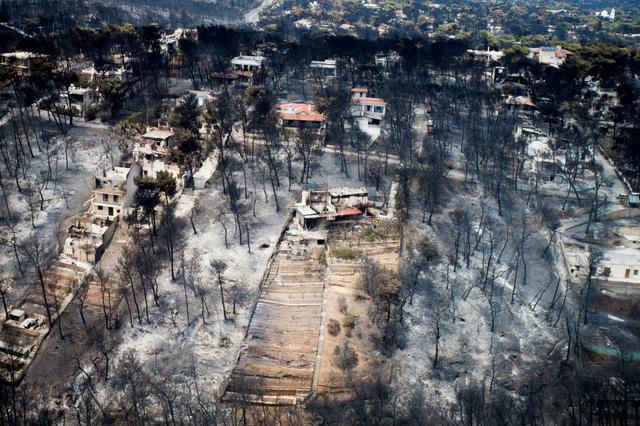 Imagem no dia 25 de julho mostra estrago causado na vila grega de Mati