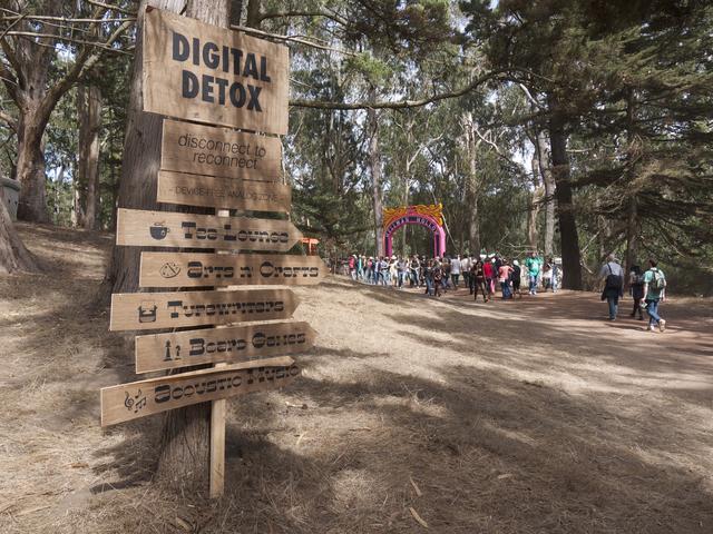 Espaço de detox digital em festival Outside Lands, nos EUA